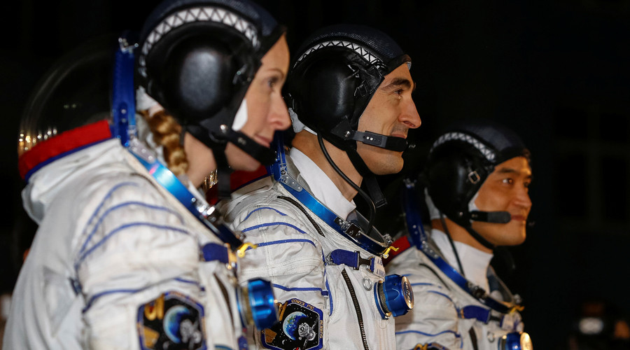 The International Space Station (ISS) crew members (L to R) Kate Rubins of the U.S., Anatoly Ivanishin of Russia and Takuya Onishi of Japan © Shamil Zhumatov