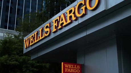 A Wells Fargo Bank © Mike Blake