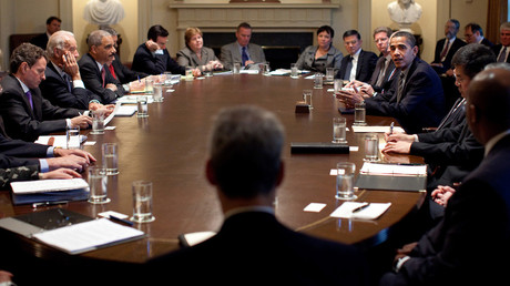 President Barack Obama meets with members of his Cabinet in the Cabinet Room at the White House. © White House