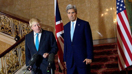 British Foreign Secretary Boris Johnson (L) and US Secretary of State John Kerry give a joint press conference after a meeting on the situation in Syria at Lancaster House in London October 16, 2016. © JUSTIN TALLIS
