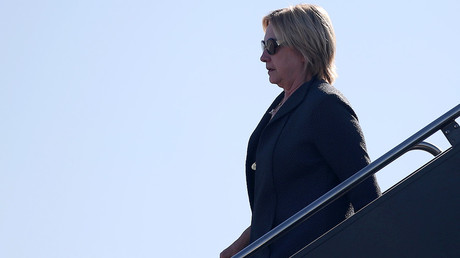 U.S. Democratic presidential nominee Hillary Clinton arrives in Las Vegas, Nevada, U.S. October 18, 2016. © Lucy Nicholson