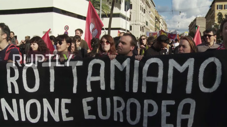 1,000s take to streets of Rome to protest against PM Renzi