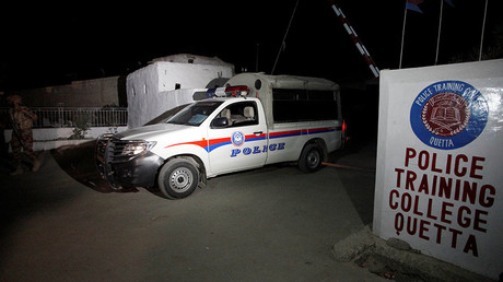 A police truck is seen at a gate to the Police Training Center after an attack on the center in Quetta, Pakistan October 25, 2016. © Naseer Ahmed