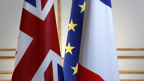 Britain, European and French flags © Philippe Wojazer