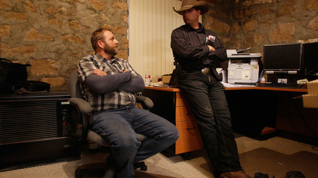 Ammon Bundy (L), and his brother Ryan Bundy are shown in an office at the Malheur National Wildlife Refuge near Burns, Oregon, U.S. January 6, 2016. © Jim Urquhart