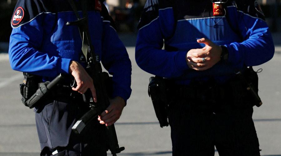 Swiss police raid 'ISIS-linked' mosque, arrest imam & alleged radicals