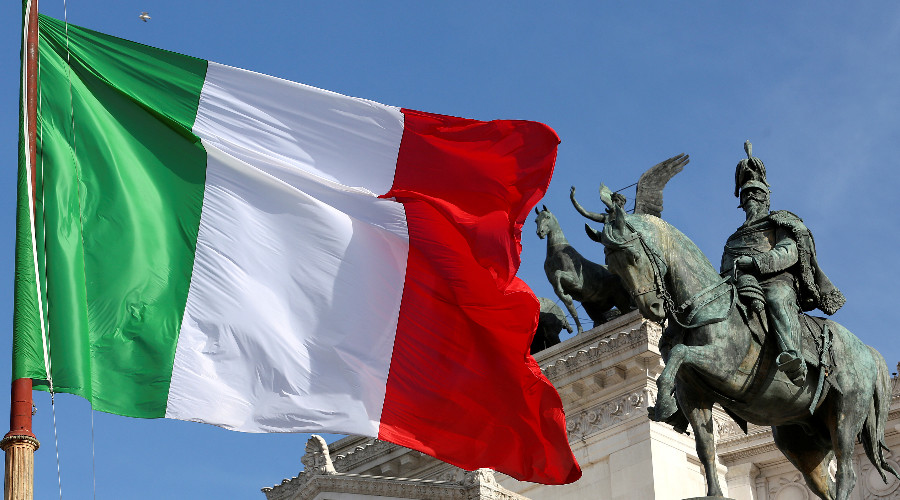 'Italian referendum more about public support for PM Renzi than constitutional reform'