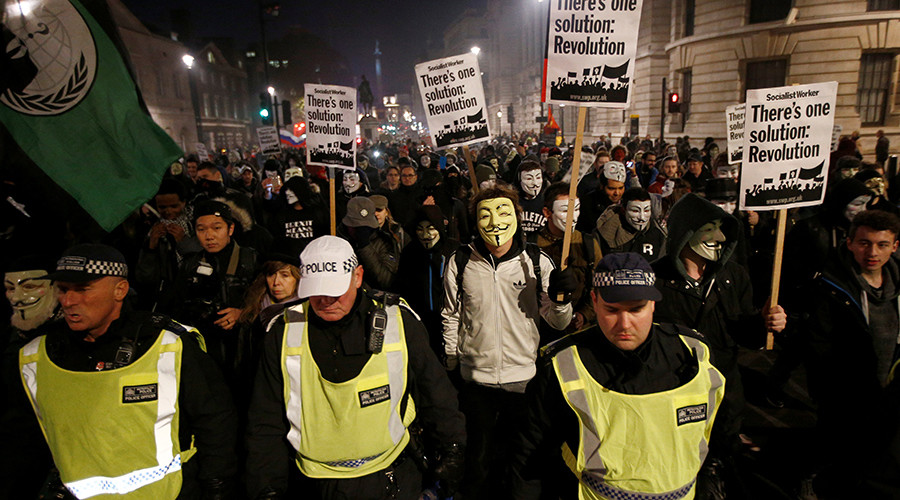 "Protesters take part in the ""Million Mask March"" in London, Britain November 5, 2016 © Peter Nicholls"