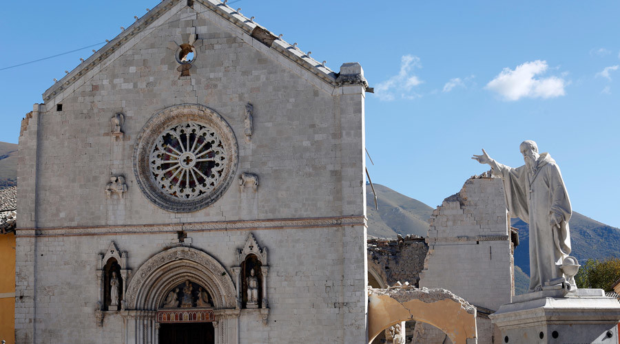 St. Benedict's Cathedral in the ancient city of Norcia is seen following an earthquake in central Italy, October 31, 2016. © Remo Casilli / Reuters