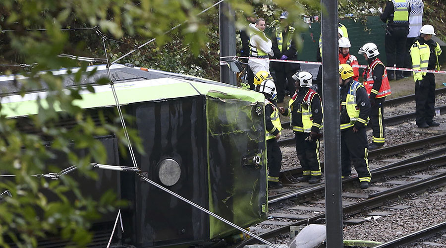 5 dead, 50 injured in south London tram derailment (VIDEO)