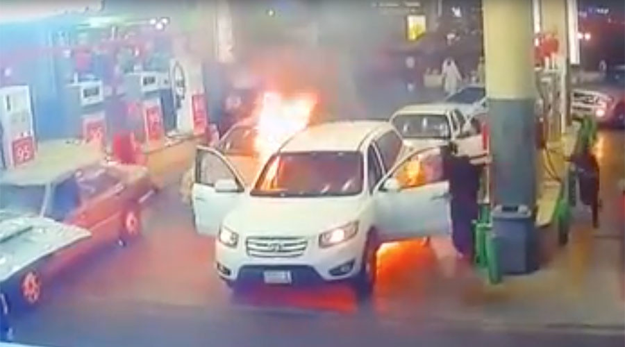 Car engulfed by flames in alarming gas station footage (VIDEO)