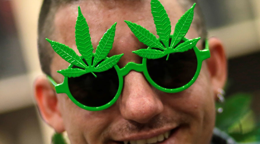 Denver OKs Pot in Bars, Restaurants