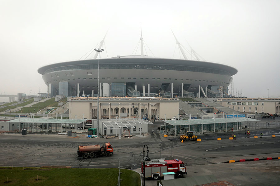 A general view shows a new stadium under construction on Krestovsky Island, known as Zenit Arena, that will host 2017 FIFA Confederations Cup and 2018 FIFA World Cup matches, in St. Petersburg, Russia, October 3, 2016. ©Pawel Kopczynski