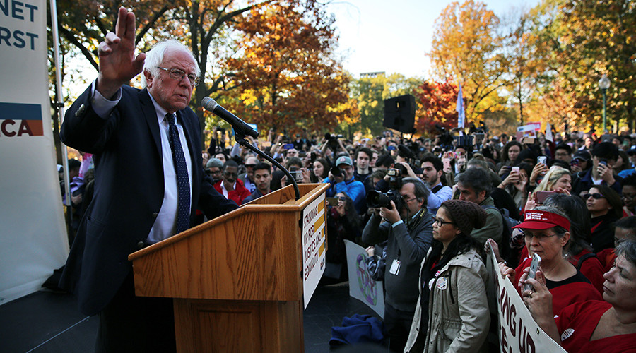 Former Democratic presidential candidate Senator Bernie Sanders (I-VT) speaks during a Capitol Hill rally in Washington, DC, U.S. November 17, 2016 © Carlos Barria