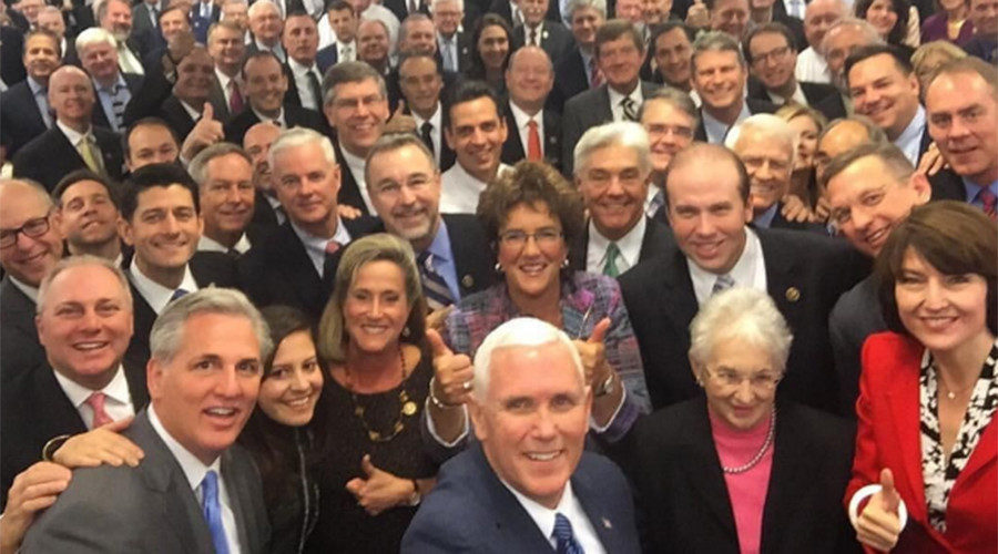 #HouseSoWhite: Pence 'Unified' GOP selfie gets trolled on Twitter