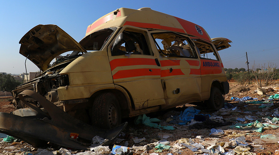 A damaged ambulance is pictured in Atareb, in the countryside west of Aleppo, Syria November 15, 2016 © Ammar Abdullah
