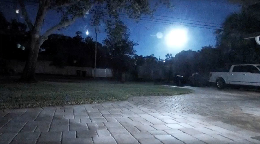 'UFO invasion' fears as massive fireball appears in Florida sky (VIDEO)