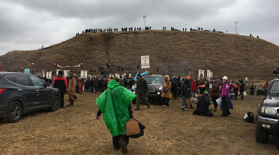 Dakota pipeline protesters build bridge in battle for Turtle Island (VIDEO)