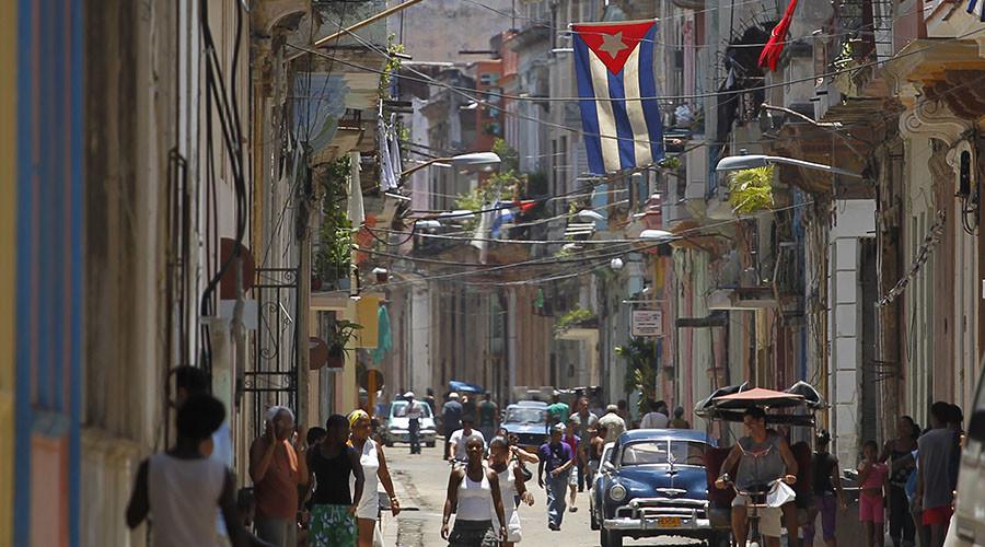 Trump demands 'better deal' from Cuba, threatens Obama's thaw