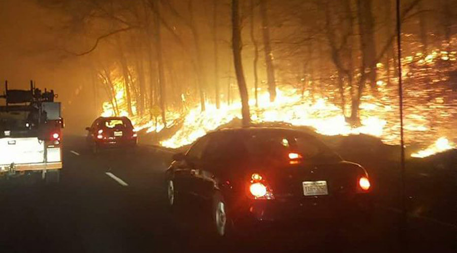 Huge fire forces evacuations at Gatlinburg, Tennessee, arson suspected