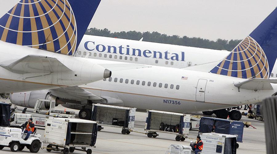 Woman opens emergency exit door, jumps off plane (VIDEO)