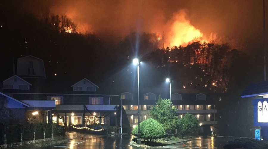 3 people confirmed killed in Gatlinburg, Tennessee fires