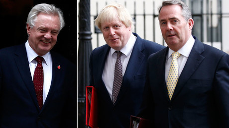 Britain's Secretary of State for Departing the EU David Davis , Britain's Foreign Secretary Boris Johnson and International Trade Secretary Liam Fox (R) © Peter Nicholls