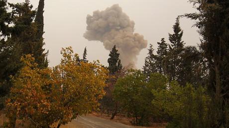 FILE PHOTO: Smoke rises from shelling near Dahiyat al-Assad, west Aleppo city, Syria October 28, 2016 © Ammar Abdullah