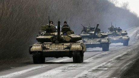 Ukrainian Army T-64 tanks near Artemovsk, Lugansk region. The region rejected the armed coup in Kiev and is partially controlled by rebels at the moment. FILE PHOTO © Gleb Garanich