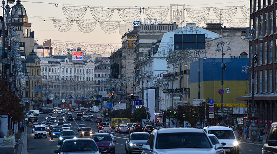 Most Russians want Ukraine independent but friendly, poll shows