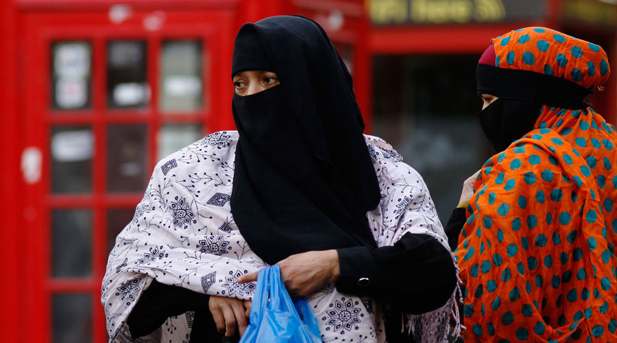 Muslim women in public roles shouldn't be veiled, says integration expert in 'divisive' report
