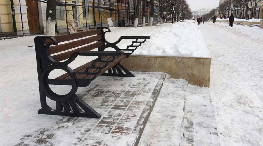 'Nazi eagle' benches stir controversy in Russian city