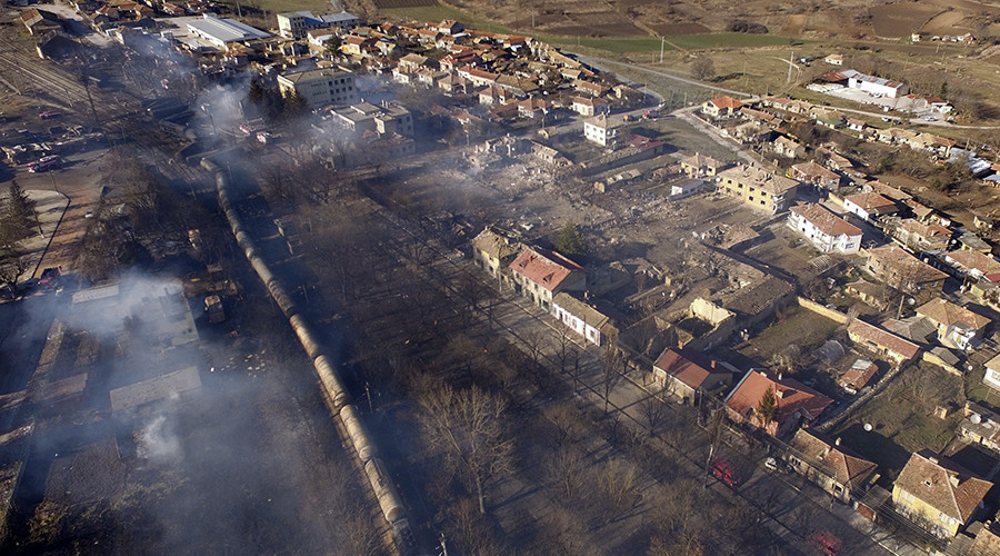 7 killed, full evacuation in Bulgarian village as cargo train derails & explodes