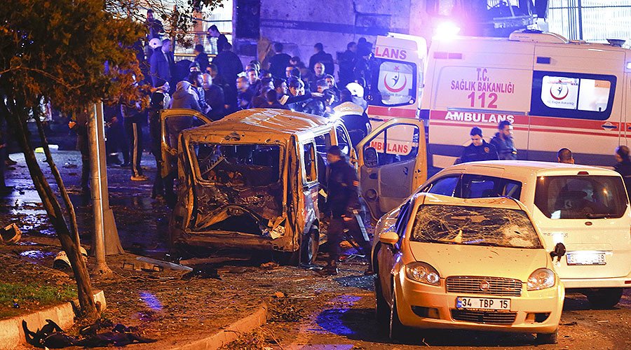 Twin Istanbul blasts kill 38, injure 155 near Besiktas stadium (VIDEOS, PHOTOS)