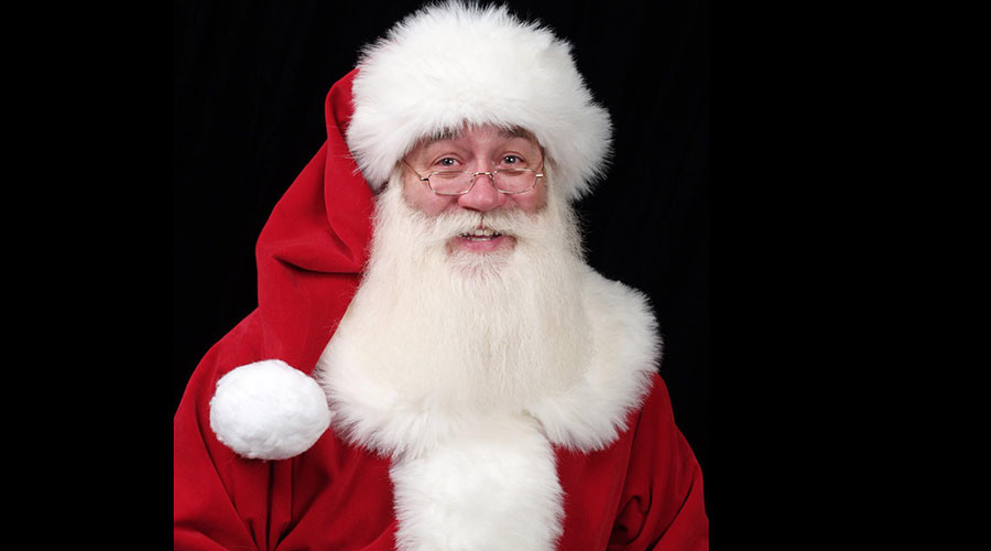 Santa grants last wish to terminally ill child who dies in his arms