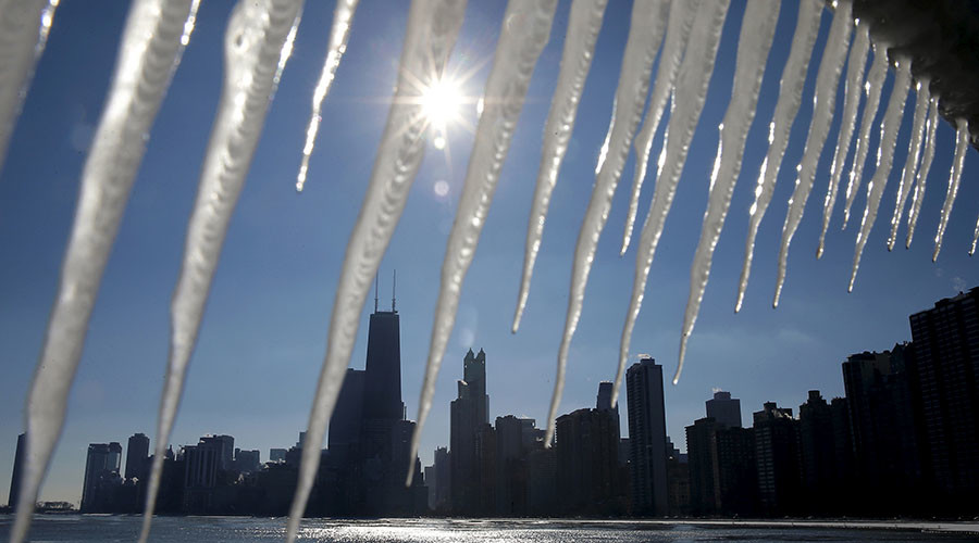 Chilly Chi-Town: Chicagoans bemoan cold weather, calling it Chiberia
