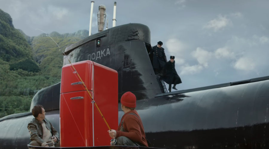 Mystery Russian sub in media spotlight after 'helping' Norwegian fishermen (VIDEO)