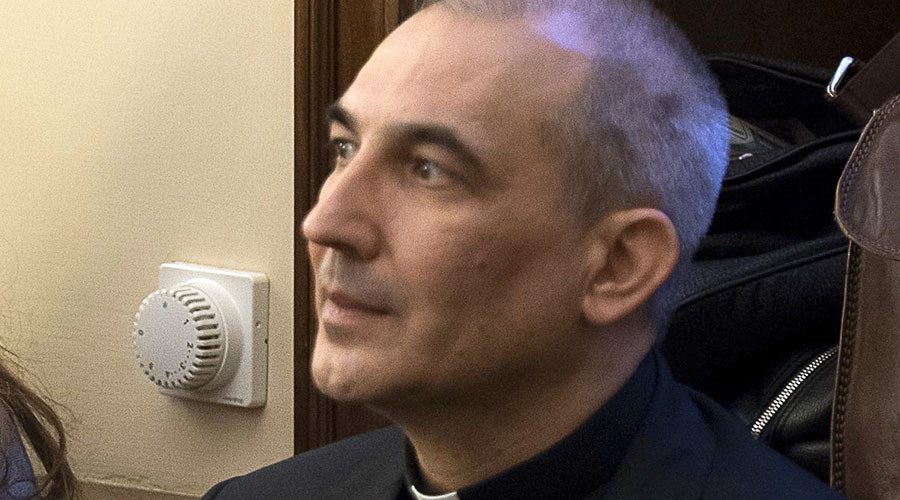 Pope Francis orders release of Vatican whistleblower
