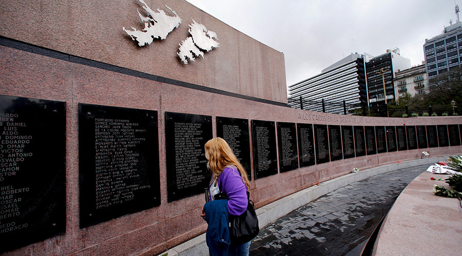 Britain & Argentina sign deal to identify Falklands war dead