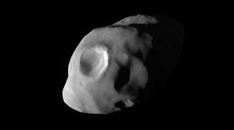 Saturn's moon Pandora captured up close by NASA's Cassini spacecraft (PHOTO)