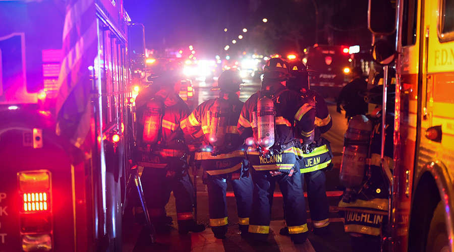 Several people hurt in Manhattan fire