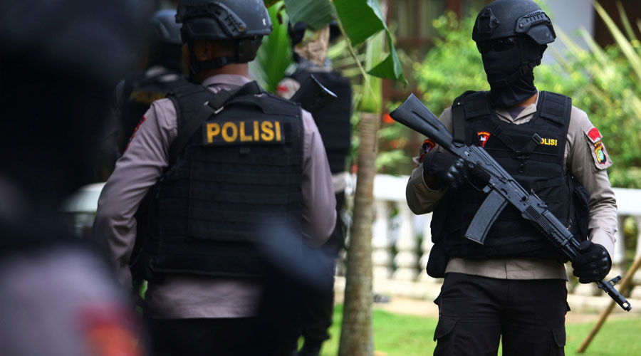 6 Indonesians found dead after being locked in tiny bathroom by armed robbers