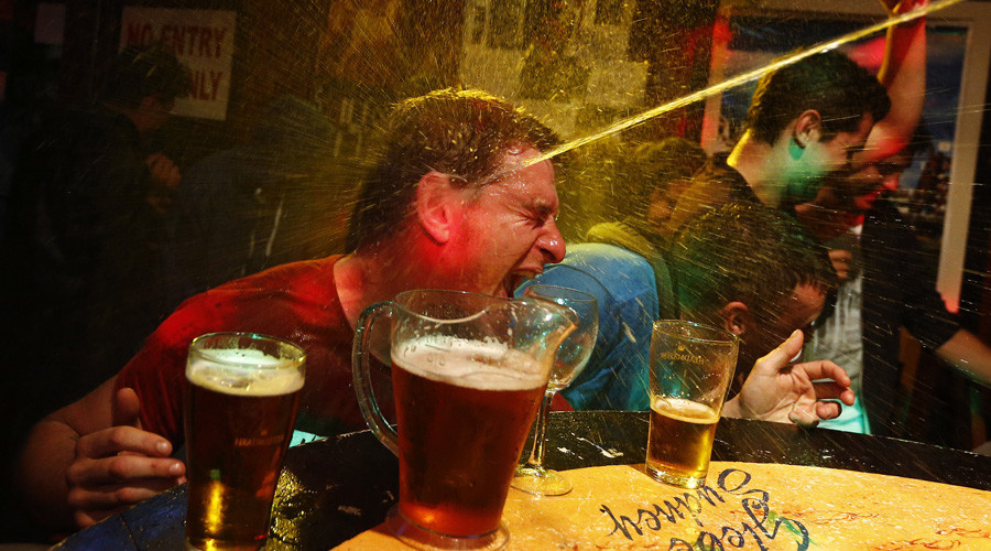 This is what happens to your brain when you drink alcohol (VIDEO)