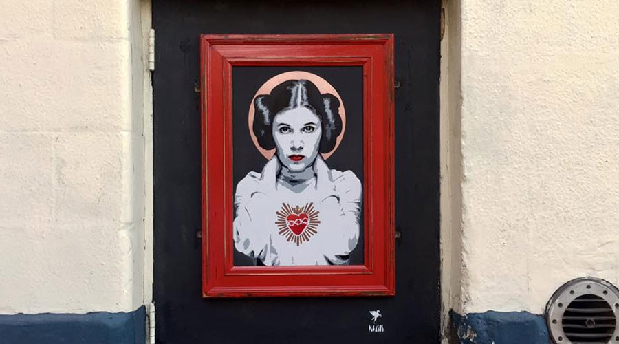 Street artist paints moving Carrie Fisher tribute outside north London pub