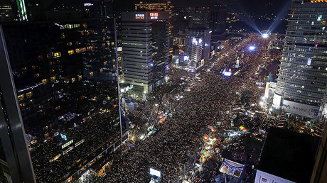 Protesters gather and occupy major streets in the city center for a rally against South Korean President Park Geun-hye in Seoul, South Korea December 3, 2016. © Chung Sung-Jun