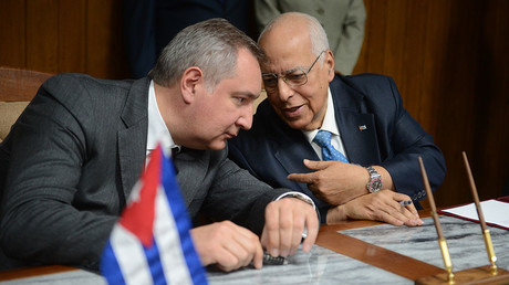 Vice President of the Council of Ministers of Cuba Ricardo Cabrisas Ruiz, right, and Deputy Prime Minister Dmitry Rogozin during the signing ceremony for a program of technological cooperation between the two countries in the sphere of defense in Havana.© Sergey Mamontov
