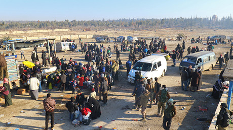 Evacuees from a rebel-held area of Aleppo arrive at insurgent-held al-Rashideen, Syria December 19, 2016 © Ammar Abdullah
