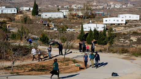 Israelis prepare for an expected eviction of the Jewish settlement outpost of Amona in the West Bank © Amir Cohen