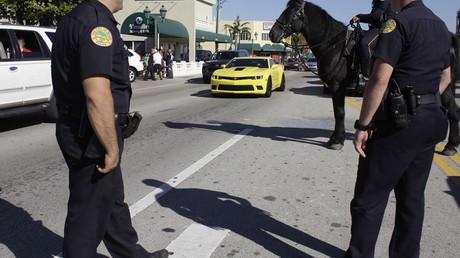 Police officers in Little Havana, Miami © Javier Galeano