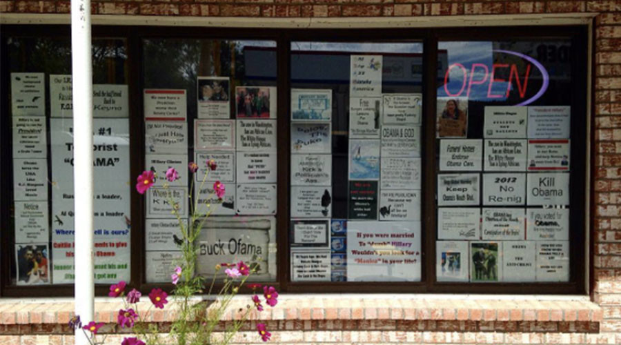 New Mexico store under fire for racist, anti-muslim posters (PHOTOS)